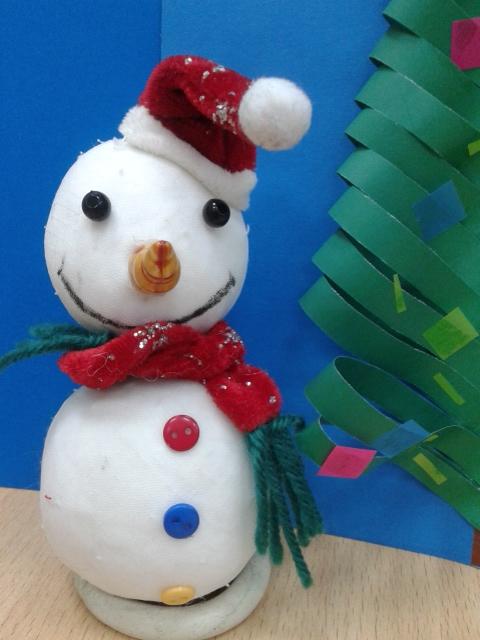 Веселый снеговик своими руками